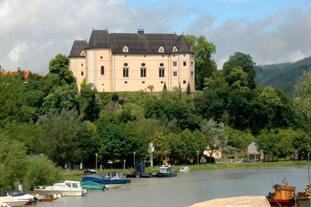 Cycling Passau-Vienna - Greinburg Castle