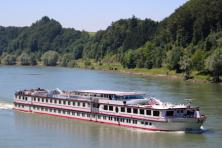From Passau to Vienna by boat and bike - MS Normandie