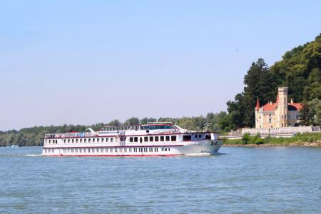 Cycling Passau Vienna - The Danube by boat and bike - MS Normandie